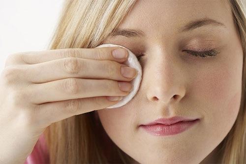 Làm sạch da đúng cách là phương pháp ngăn ngừa mụn tối ưu