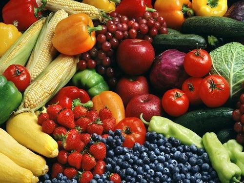 Tăng cường bổ sung các loại rau xanh, trái cây chứa nhiều vitamin