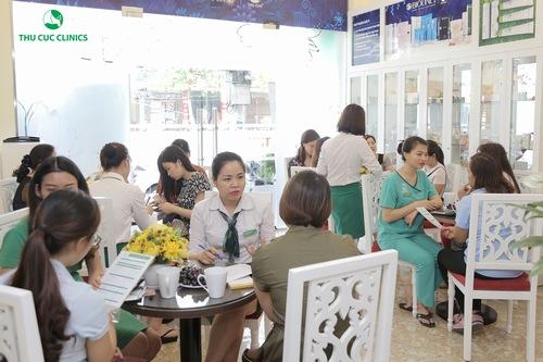 Dịch vụ trị mụn bằng công nghệ Blue Light tại Thu Cúc Clinic Ninh Bình nhận được quan tâm của đông đảo khách hàng
