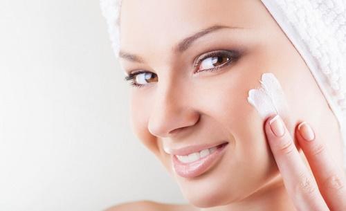Bạn chỉ nên thực hiện tẩy da chết cho cơ thể từ 1-2 lần/tuần.