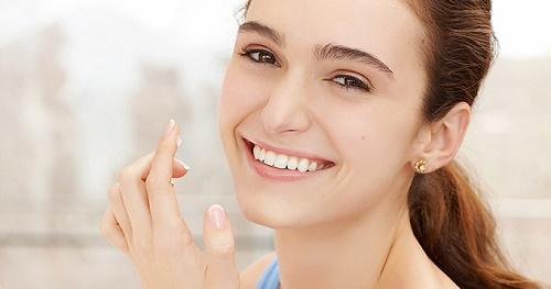Sau khi tẩy da chết, bạn không nên để da tiếp xúc trực tiếp với ánh nắng mặt trời.