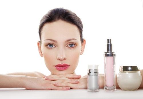 Hạn chế dùng mỹ phẩm giúp ngăn ngừa mụn hiệu quả
