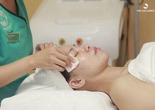 Thu Cúc Clinics Quảng Ninh áp dụng đa dạng các giải pháp tẩy da chết phù hợp với nhu cầu và tình trạng làn da của mỗi người.