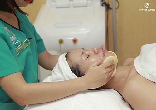 Các phương pháp tẩy da chết tại Thu Cúc Clinics kết hợp với mỹ phẩm chăm sóc da có chiết xuất 100% từ thiên nhiên