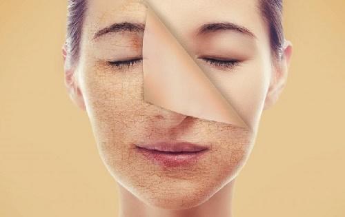 việc tẩy tế bào chết còn giúp làn da tươi sáng, hấp thụ các dưỡng chất từ mỹ phẩm tốt hơn.