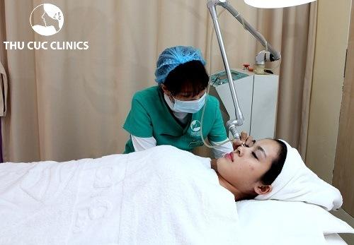 Tại Thu Cúc Clinics đang ứng dụng thành công phương pháp trị mụn bằng công nghệ Laser Co2