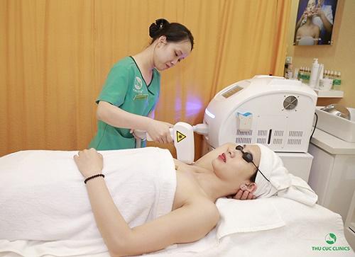 Thu Cúc Clinics đang ứng dụng triệt lông bằng công nghệ Laser Diode, giúp loại bỏ violong .