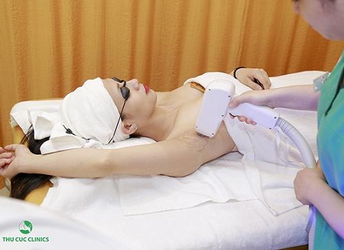 Triệt lông bằng Laser Diode đã được FDA Hoa Kì kiểm định về độ an toàn và hiệu quả đem lại.