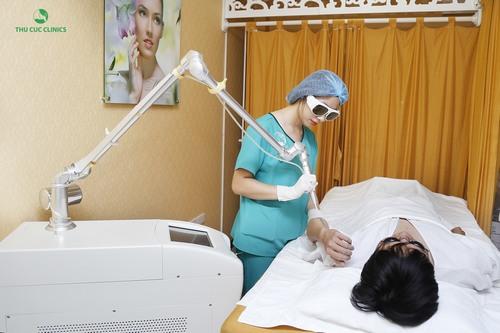 Công nghệ xóa hình xăm bằng Laser YAG tại Thu Cúc Clinics giúp loại bỏ hiệu quả lên tới 95% chỉ sau một liệu trình thực hiện.