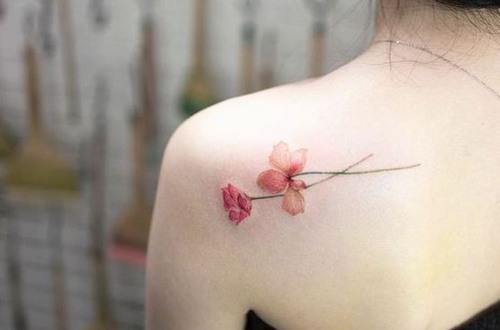 Xăm hình là hình thức đưa mực xăm vào bên trong lớp thượng bì của da để tạo thành hình nghệ thuật trên da.