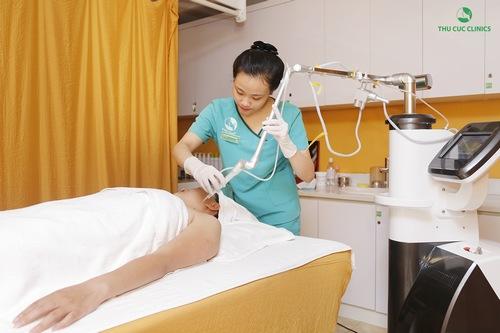 Tại Thu Cúc Clinics ứng dụng công nghệ trị mụn thịt Laser CO2 hiện đại