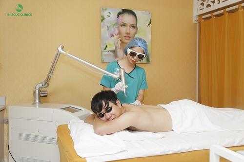 Công nghệ sử dụng trong xóa xăm da ở Thu Cúc Clinics đó là Laser Yag.
