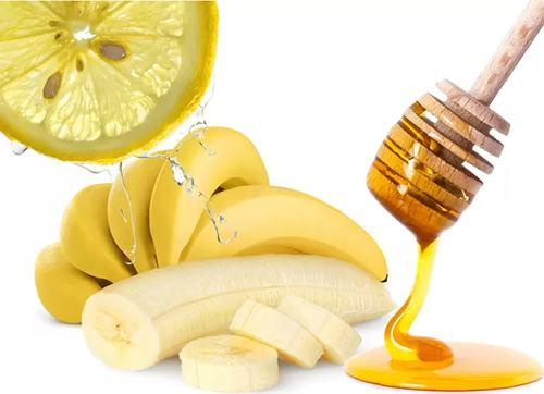 Chuối có chứa nhiều vitamin hữu ích giúp khử mọi sắc tố làm da trở nên nhẵn mịn hơn.