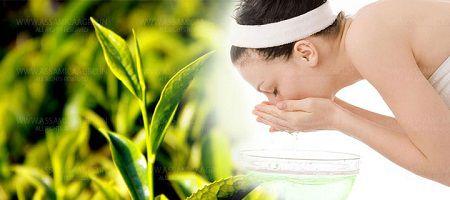 Trà xanh có khả năng sát khuẩn nên được sử dụng để trị mụn cơm ở mắt