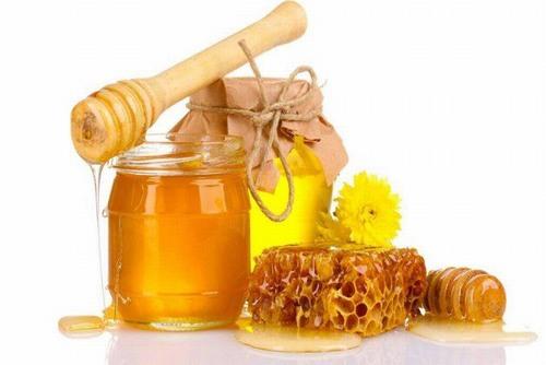Sử dụng mật ong để xóa hình xăm cũng là một cách hiệu quả được khá nhiều người áp dụng tại nhà.