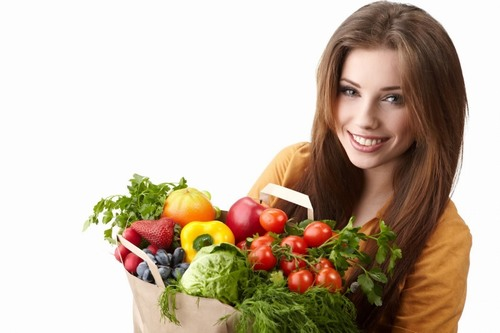 Để đảm bảo sức khỏe cho làn da nhạy cảm luôn tươi tắn, rạng rỡ trong những ngày Tết Nguyên Đán sắp tới, bạn hãy tránh xa các chất kích thích, tăng cường rau và hoa quả trong các bữa ăn.