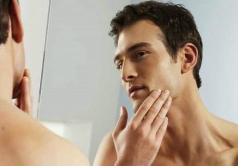 Da mặt nam giới dầy nên phải chọn những nguyên liệu tự nhiên có hoạt tính mạnh