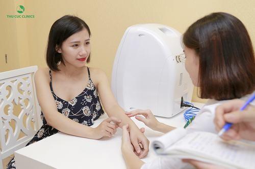 Có nên tẩy lông vùng kín phụ nữ?