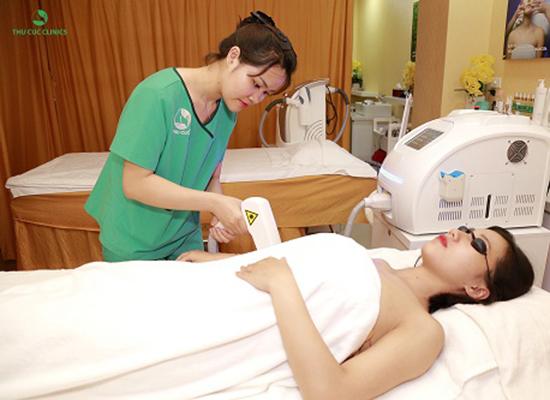 Laser Diode giúp loại bỏ các sợi lông dễ dàng, không gây đau rát hay tổn thương đến các vùng da xung quanh.