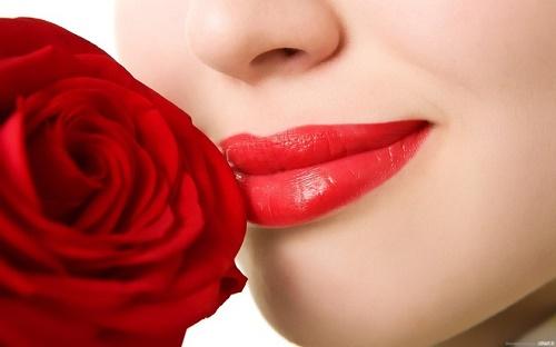 Để  an toàn và có được đôi môi đẹp như ý muốn, chị em cần lựa chọn cho mình một địa chỉ làm đẹp uy tín.