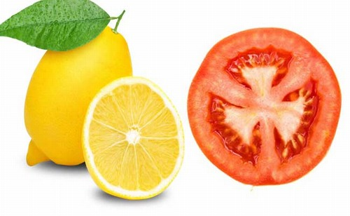 """kết hợp chanh và cà chua bạn sẽ có được công thức """"dọn sạch"""" violong cứng đầu trên da."""