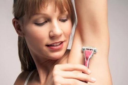 Các phương pháp triệt lông bằng dao cạo, nhíp nhổ chỉ mang lại hiệu quả tạm thời và dễ gây tổn thương da.