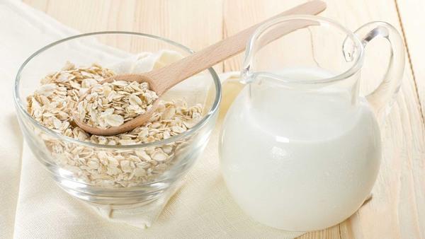 Sữa tươi vừa bổ sung nguồn dinh dưỡng cần thiết cho cơ thể vừa hỗ trợ làm đẹp, là nguyên liệu không thể thiếu giúp nuôi dưỡng làn da mềm mịn