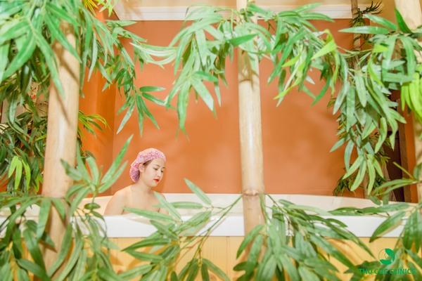 Tắm trắng ở Thu Cúc Clinics được thực hiện theo quy trình bài bản