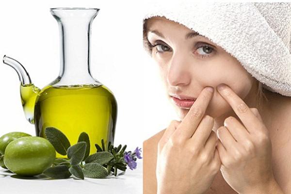 Để trị mụn bằng dầu ô liu hiệu quả, các chị em lưu ý chỉ áp dụng đều đặn 2 - 3 lần/ tuần không lạm dụng nhiều sẽ bội thực dưỡng chất khiến da mọc nhiều lông hoặc mọc nhiều mụn hơn