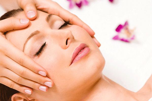 massage này sẽ giúp da mặt luôn căng mịn, hạn chế chảy xệ và ngăn ngừa hình thành vết chân chim.