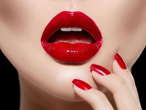 Sở hữu đôi môi căng mọng, tươi tắn là mong ước của nhiều chị em