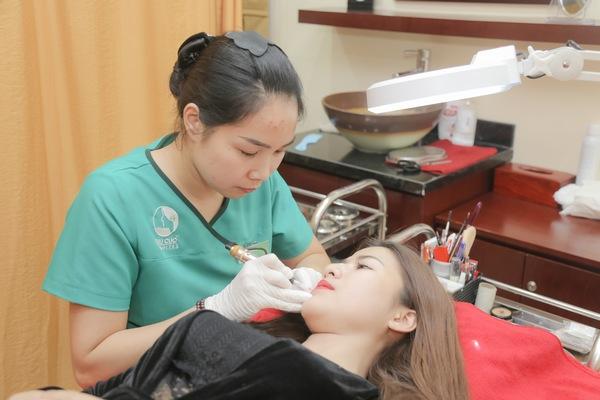 Thu Cúc Clinics áp dung đa dạng các phương pháp phun môi: Phun môi pha lê, phun môi xí muội, phun môi 3D…