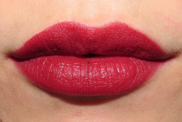 Phun môi 6D là giải pháp làm đẹp cực hot được chị em yêu thích