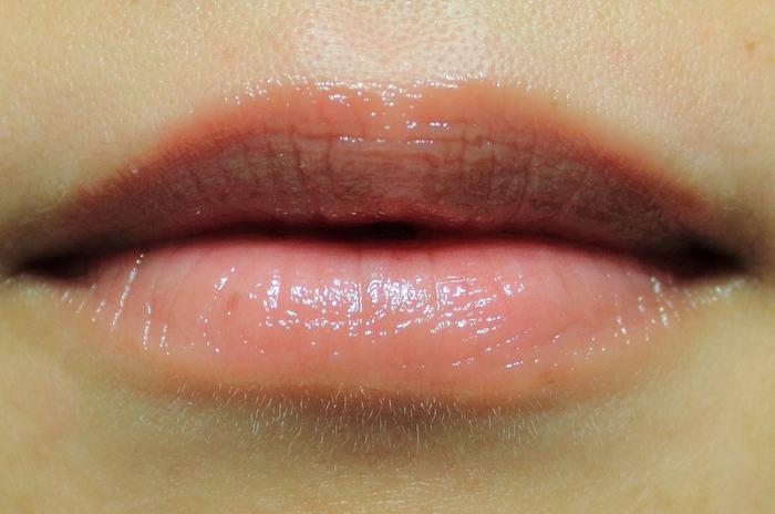 Phun môi không lên màu phải làm sao?