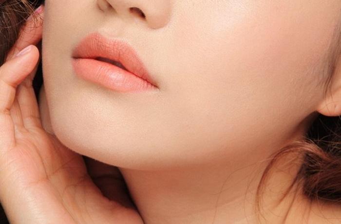 Phun môi xong mấy ngày thì bong?
