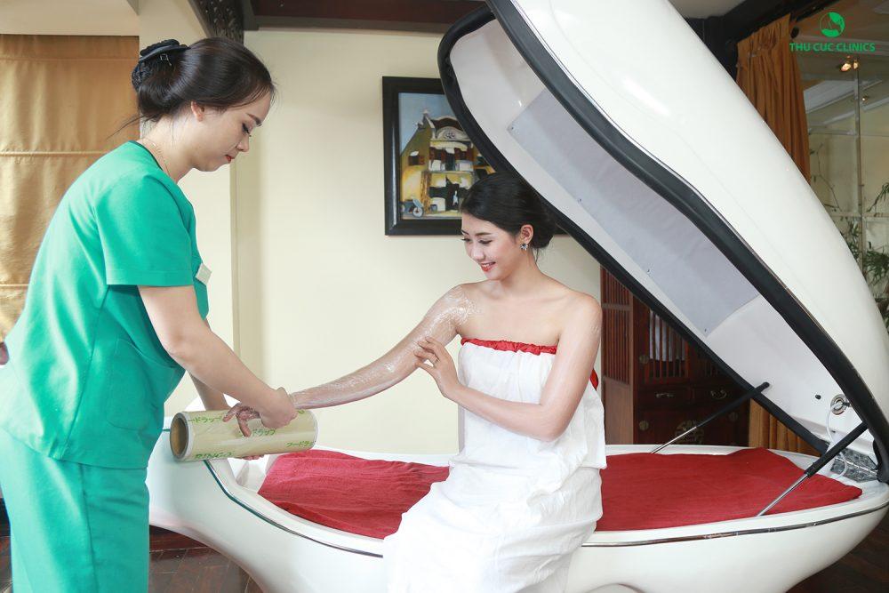 Với những ưu điểm như mang lại làn da trắng mịn, khỏe mạnh từ thành phần tự nhiên, không gây tổn thương cho da, dịch vụ tắm trắng phi thuyền cũng là bí quyết làm đẹp không thể bỏ qua cho chị em phụ nữ trong mùa hè này.