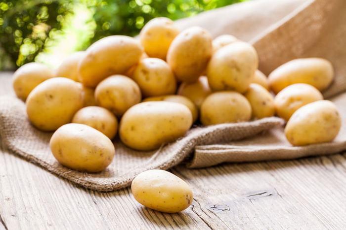 Hướng dẫn cách tắm trắng bằng khoai tây đơn giản tại nhà