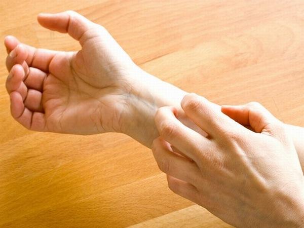Phương pháp tắm trắng không đảm bảo an toàn, chất lượng sẽ có thể gây mẩn nó, dị ứng da