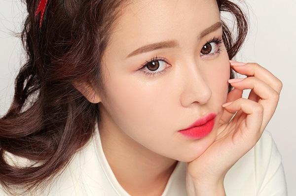 Phun môi pha lê Hàn Quốc có đẹp không?