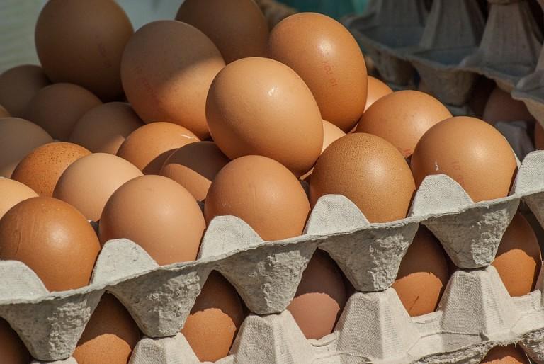 Lòng trắng trứng là nguyên liệu triệt lông nách
