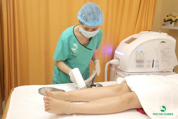 Triệt lông chân bằng công nghệ cao tại Thu Cúc cho hiệu quả nhanh chóng và lâu dài