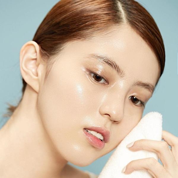 Triệt lông mặt giúp da sáng mịn và đều màu
