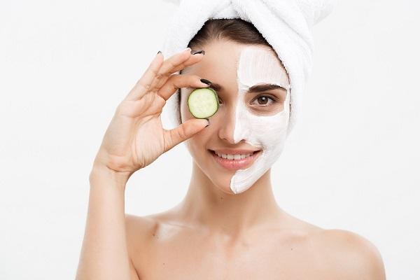 Đắp mặt nạ là cách chăm sóc da mặt mang lại hiệu quả nhanh chóng