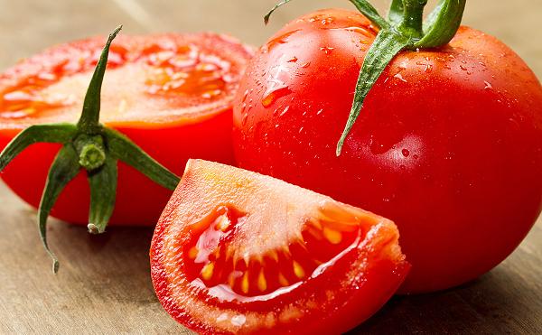 Tẩy lông tay bằng cà chua