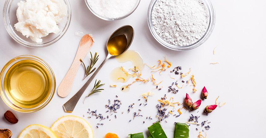 Bỏ túi ngay 3 cách chăm sóc da mặt hàng ngày với các nguyên liệu nhà bếp