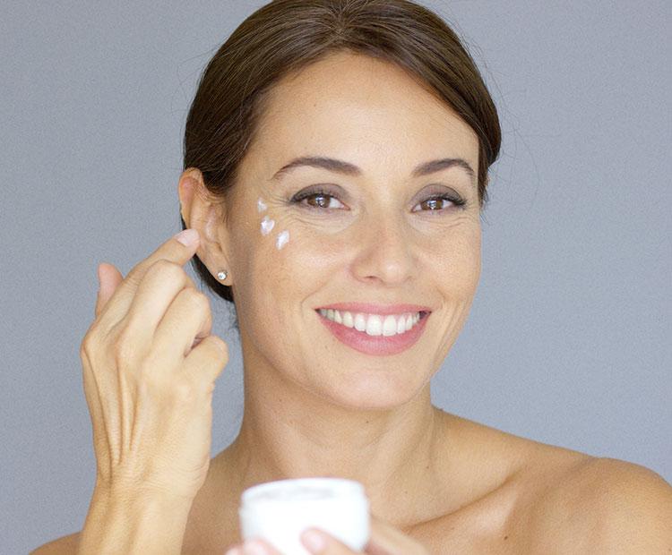 Bạn đã biết top các sản phẩm kem xóa nhăn vùng mắt tốt nhất chưa?