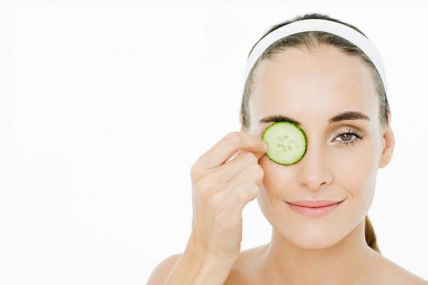Cách chữa thâm quầng mắt bằng nguyên liệu tự nhiên
