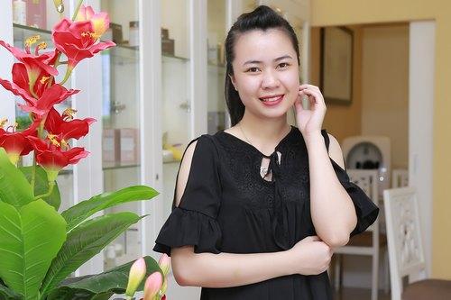 Làn da của cô bạn Bùi Trang (23 tuổi, Hà Nội) trở nên sáng mịn không tỳ vết sau liệu trình trị mụn BlueLight tại Thu Cúc Clinics.