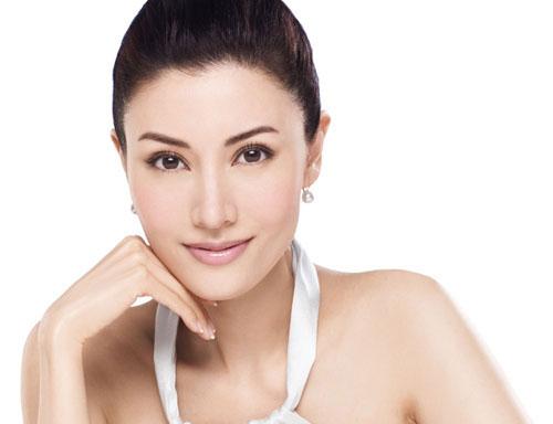 Với sản phẩm kem dưỡng ẩm chiết xuất quả Việt quất đen, làn da nhạy cảm được chăm sóc nhẹ nhàng và cải thiện tình trạng nhạy cảm