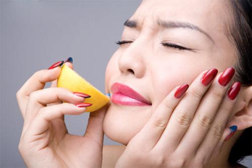 Chanh giúp môi xinh mịn màng